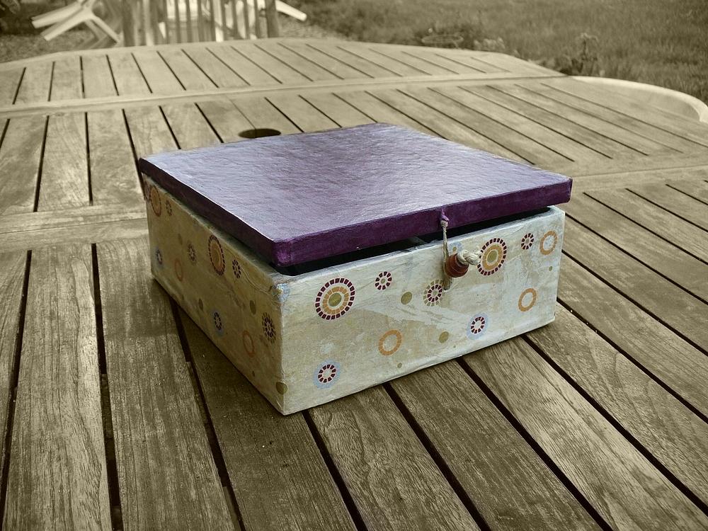achat de boite bijoux en carton boite bijoux originale atelier carton. Black Bedroom Furniture Sets. Home Design Ideas